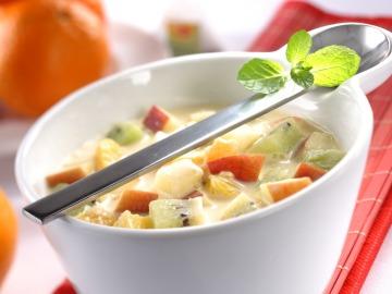 Polévka z řeckého ovoce  Recepty na každý den