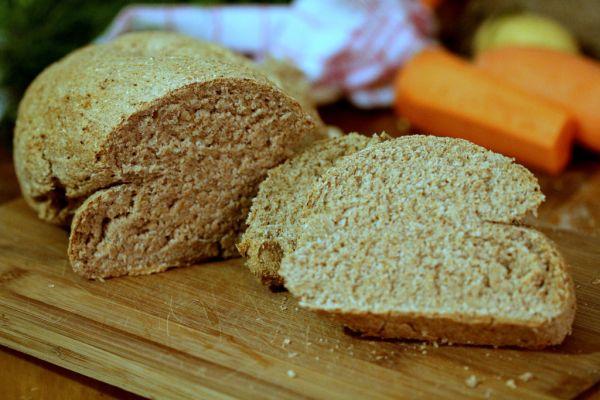 Špaldový chlebík s čerstvo namletou múkou z ovsených vločiek ...