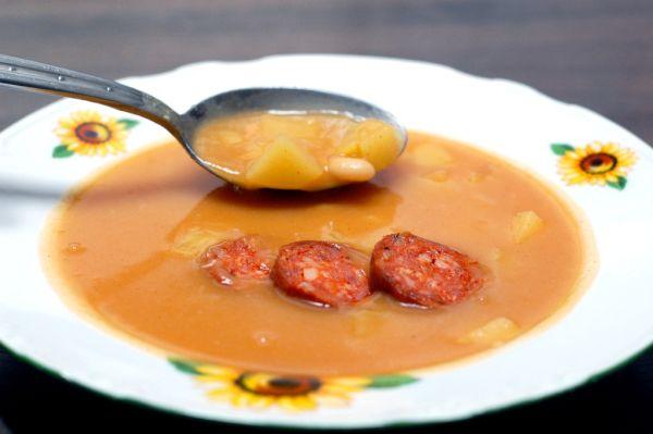 Zemiakovo-fazuľová polievka z juchy |