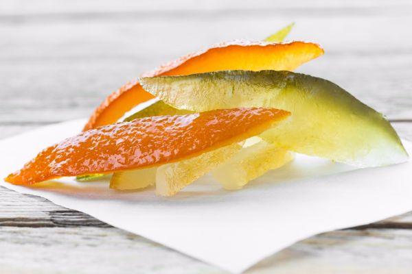 Kandizovaná citrónová alebo pomarančová kôra |